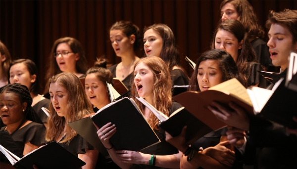Dartmouth College Glee Club Spring 2019 at the Hop