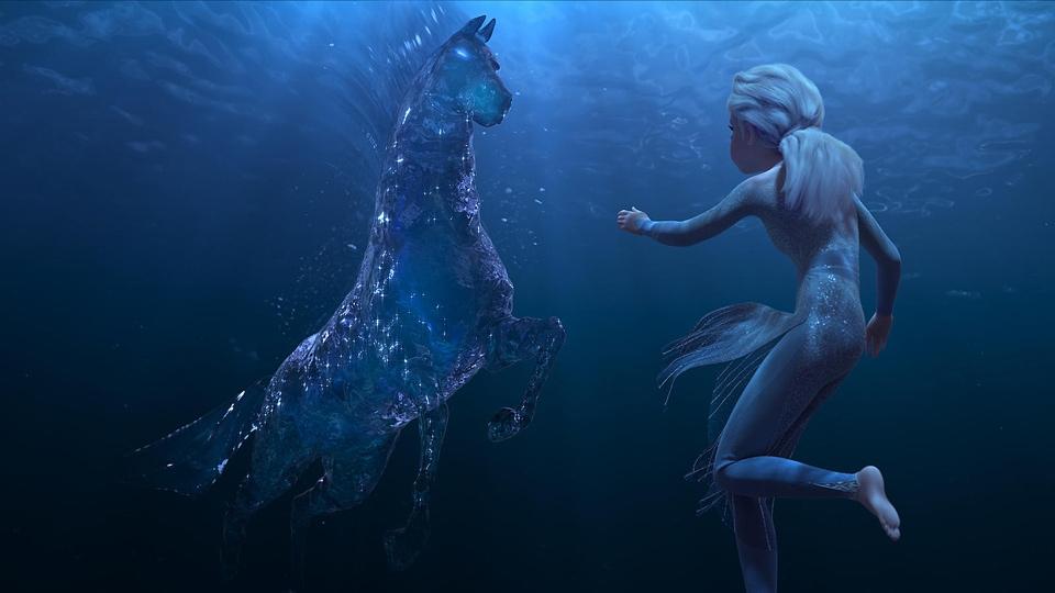 Elsa underwater with ice horse - Frozen 2 - Hop Film